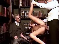 Old boss shows guy how correctly fuck secretary